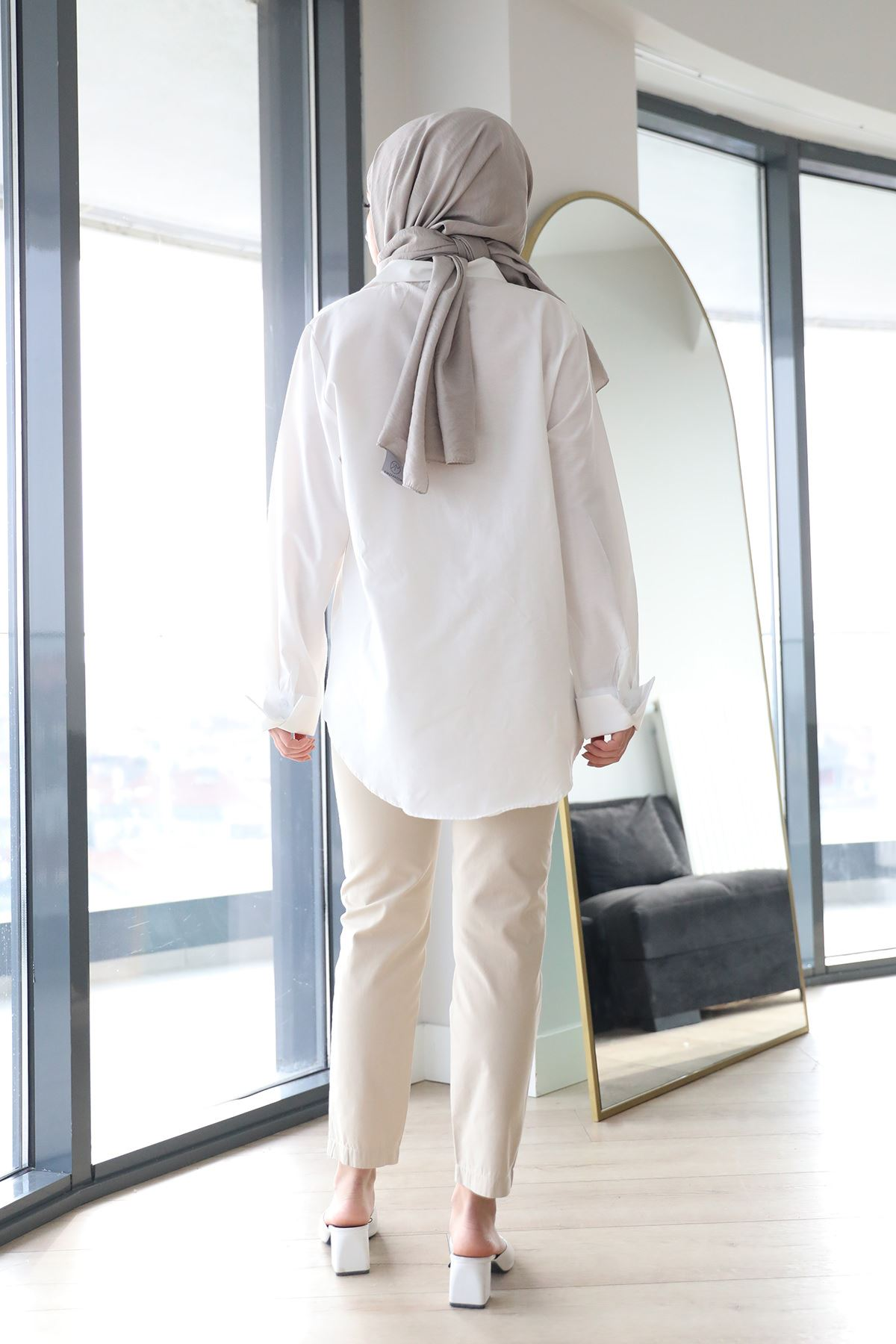 Kemer Detaylı Pantolon-Taş
