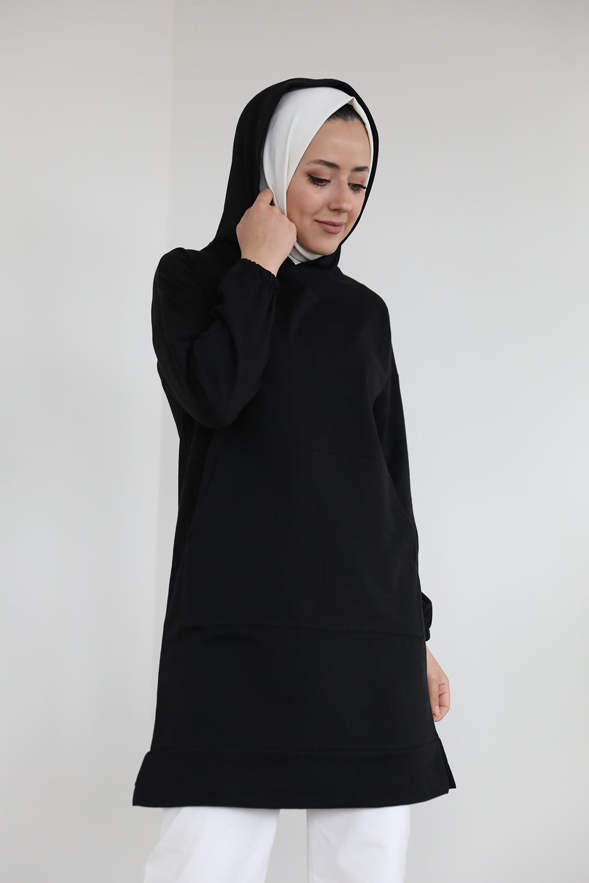 Pocket Detail Hooded Sweatshirt-Black